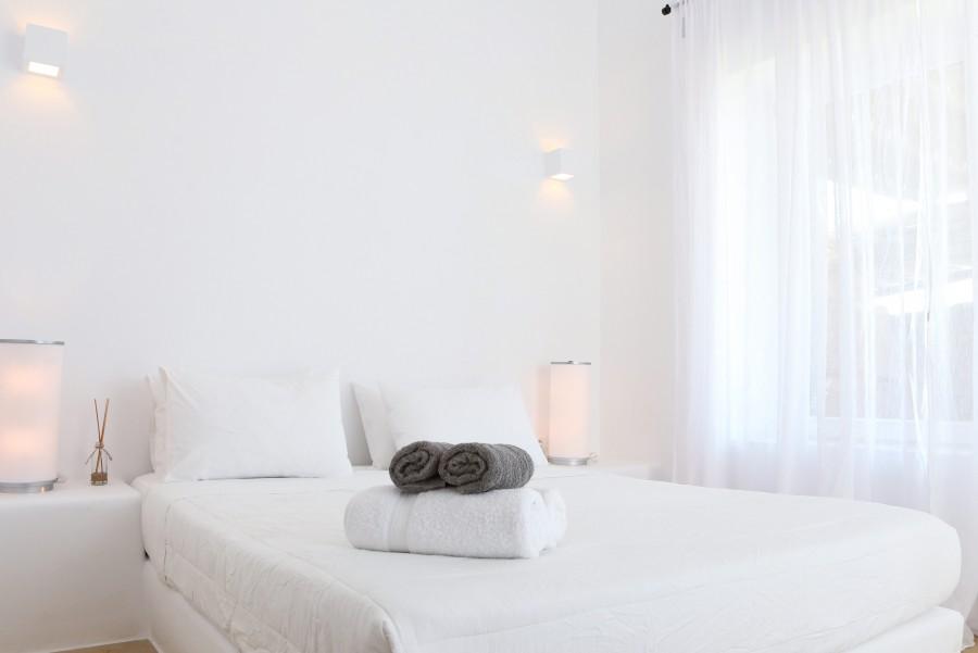 Main-House-Bedroom-2a