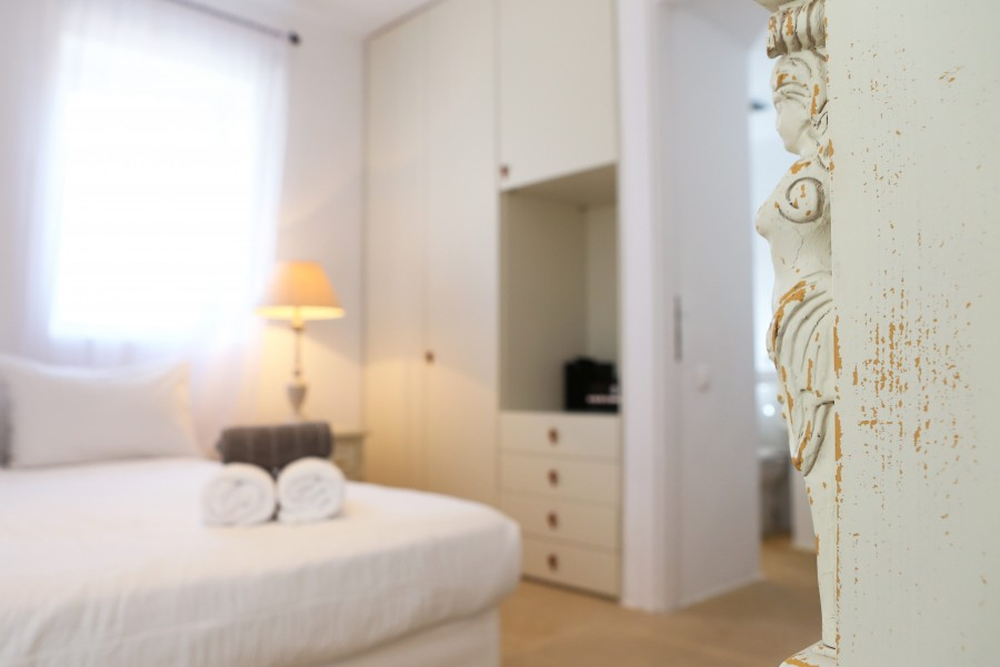 Main-House-Bedroom-6a