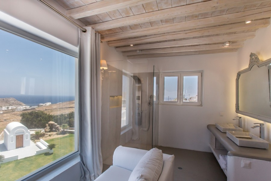 open plan executive suite with garden-sea view-001